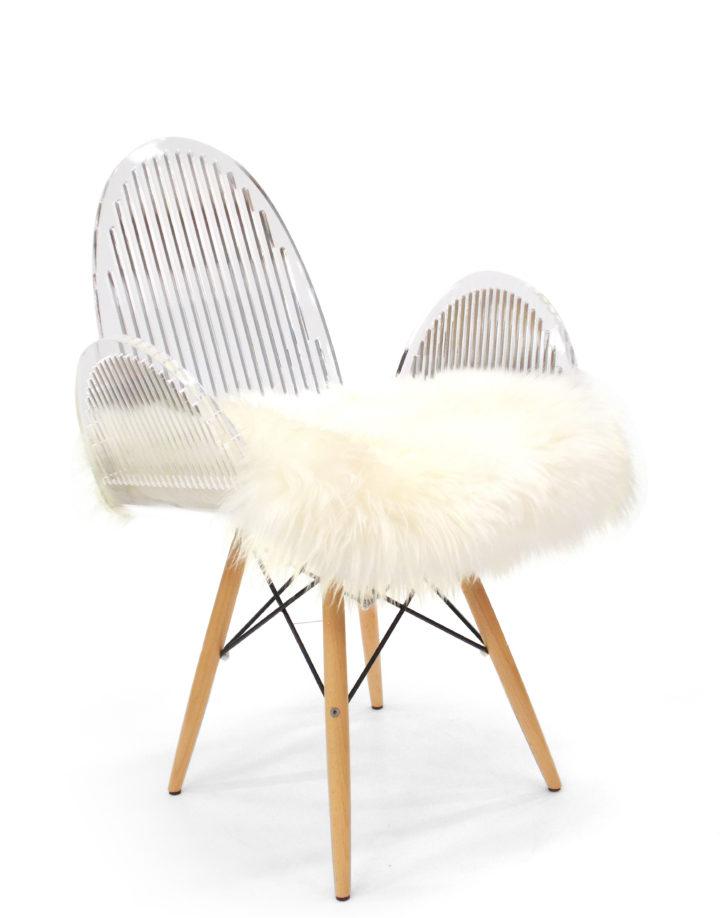 Chaise cali arrondi barreau poil pieds bois
